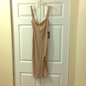 NWT Midi dress lace up back tight fitting